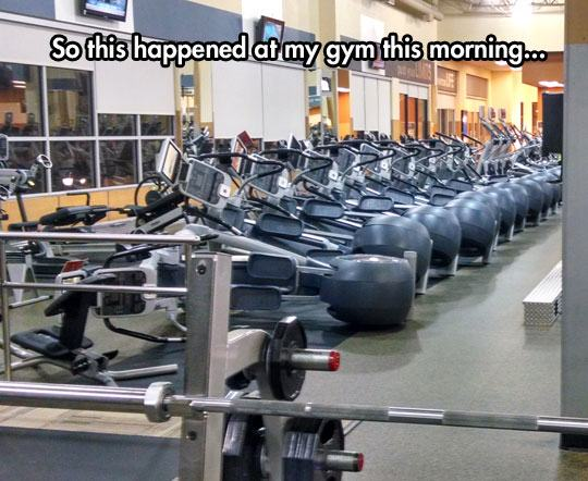 funny-tilted-machine-gym-fall-1