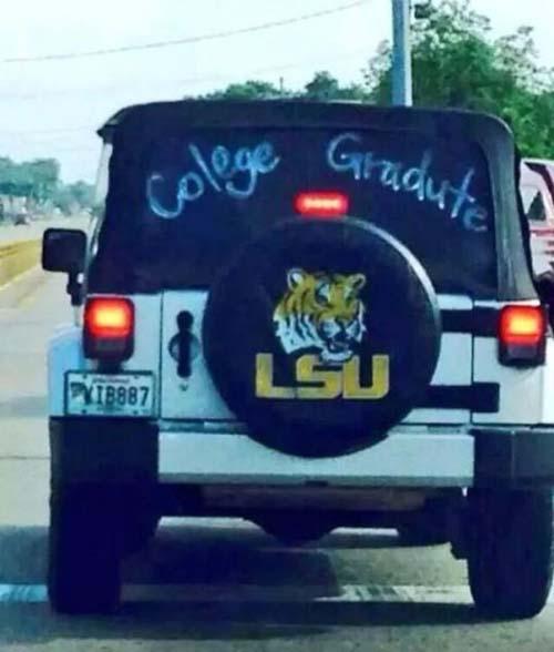 funny-typo-college-graduate