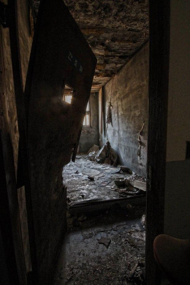 old_mental_hospital_08