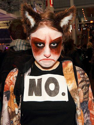 5 grumpy-cat-costume