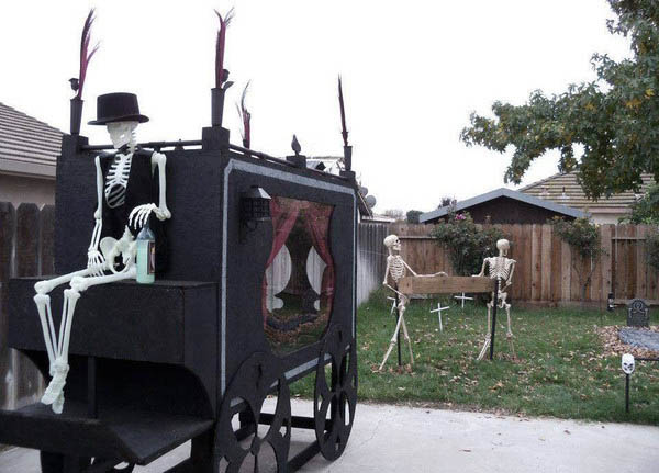 Epic-Halloween-Decorations-03