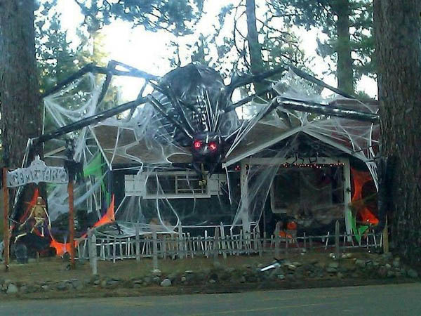 outdoor halloween decorations list | Damn Straight Sarcasm Served ...