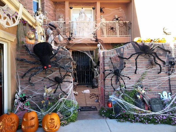 Epic-Halloween-Decorations-07