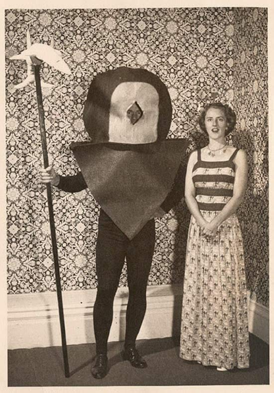 incredibly-bizarre-vintage-halloween-costumes-15