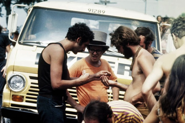 Photos-of-Life-at-Woodstock-1969-30