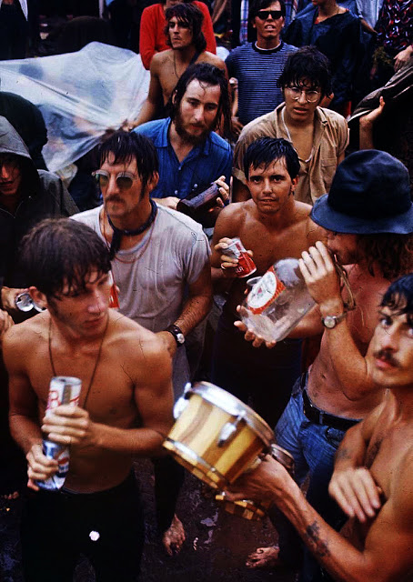 Photos-of-Life-at-Woodstock-1969-31