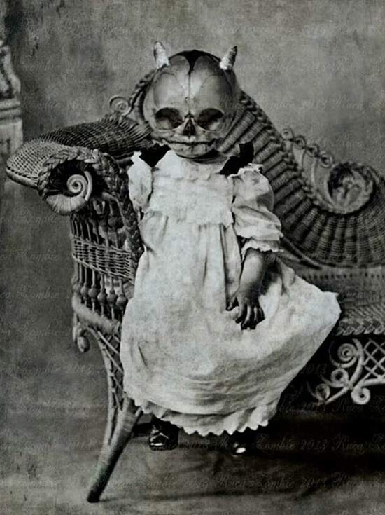 vintage-halloween-costumes-devil-baby