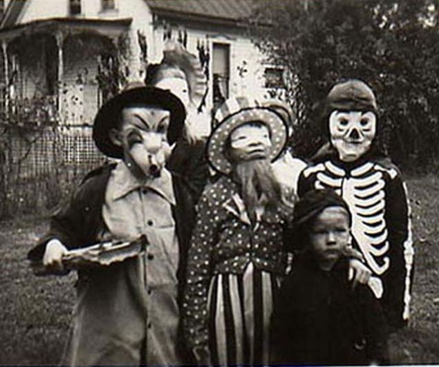 vintage-halloween-costumes-kids-skeleton-1920s