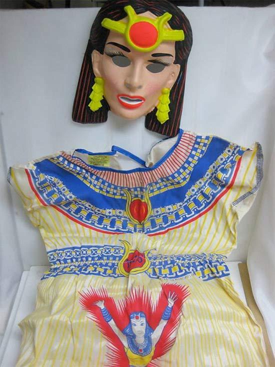 vintage-wonder-woman-worst-halloween-costumes