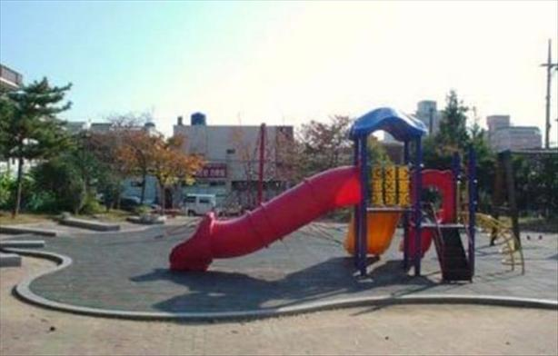 wtf-playgrounds-6