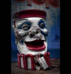 derelict-clown-six-flags-new-orleans-photographed-bylostlosangeles-via-lovethesepics