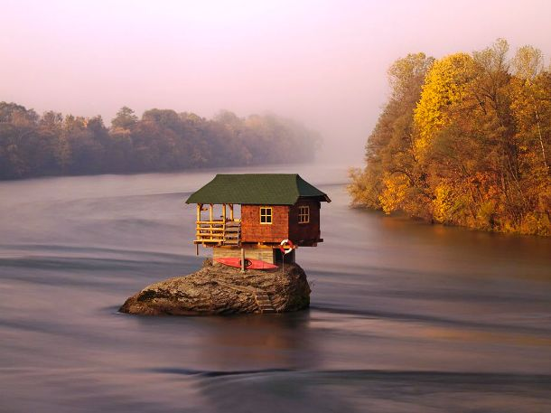 photography.nationalgeographic.com-house-river-serbia_57361_990x742